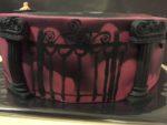 Poort op Addams Family taart