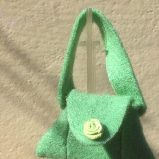 Tasje licht groen met roosje